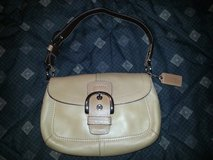 NWOT COACH Soho Leather Small Flap - EXCELLENT condition!!! in Warner Robins, Georgia